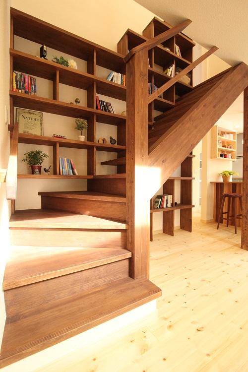 森の図書館~階段図書館のある家~